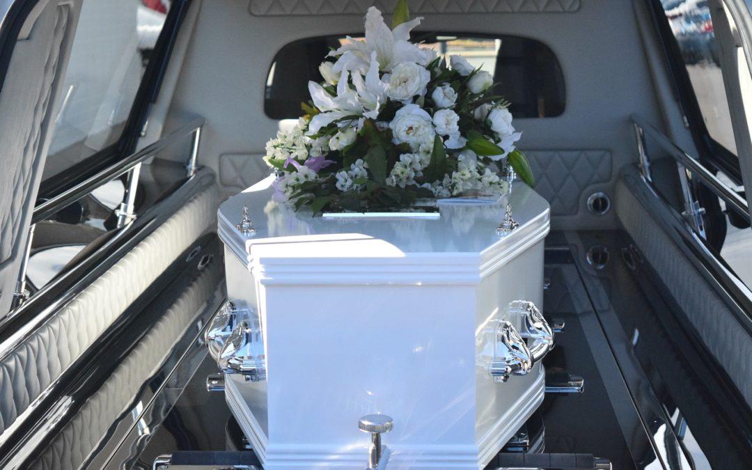 Как профессионалы могут помочь в организации похорон?